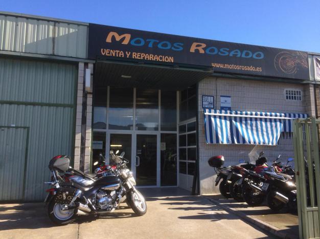 fachada de taller y tienda de motos en Alcalá de Henares Madrid