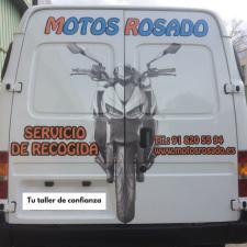 Furgoneta de servicio de recogida y entrega de taller de motos