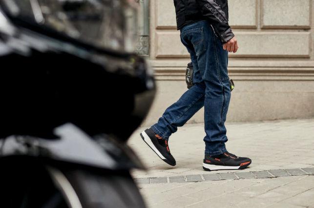 pantalón vaquero para moto seventy